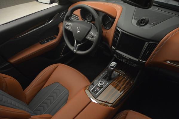 New 2019 Maserati Levante Q4 GranLusso for sale Sold at Alfa Romeo of Greenwich in Greenwich CT 06830 17