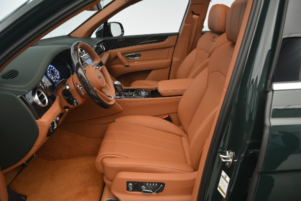 New 2019 Bentley Bentayga V8 for sale Sold at Alfa Romeo of Greenwich in Greenwich CT 06830 16