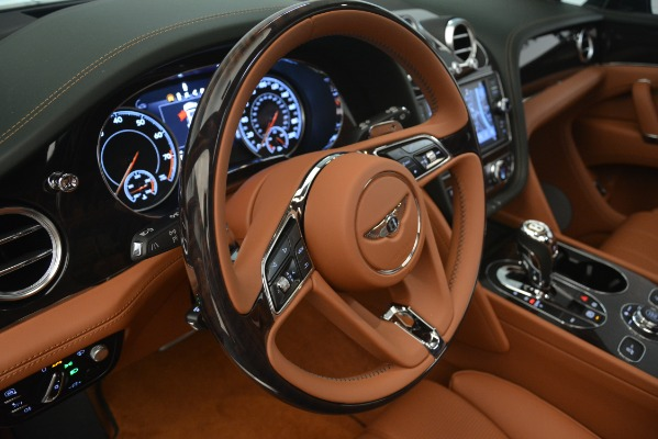 New 2019 Bentley Bentayga V8 for sale Sold at Alfa Romeo of Greenwich in Greenwich CT 06830 19