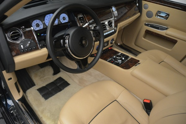 Used 2014 Rolls-Royce Ghost for sale Sold at Alfa Romeo of Greenwich in Greenwich CT 06830 15