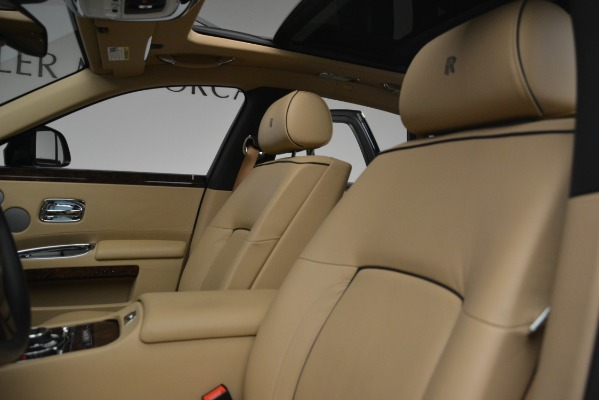 Used 2014 Rolls-Royce Ghost for sale Sold at Alfa Romeo of Greenwich in Greenwich CT 06830 16