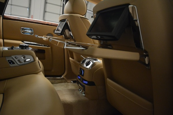 Used 2014 Rolls-Royce Ghost for sale Sold at Alfa Romeo of Greenwich in Greenwich CT 06830 23