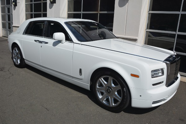 Used 2014 Rolls-Royce Phantom for sale Sold at Alfa Romeo of Greenwich in Greenwich CT 06830 12