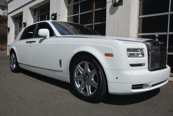 Used 2014 Rolls-Royce Phantom for sale Sold at Alfa Romeo of Greenwich in Greenwich CT 06830 13
