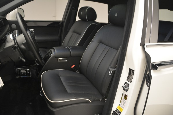 Used 2014 Rolls-Royce Phantom for sale Sold at Alfa Romeo of Greenwich in Greenwich CT 06830 17