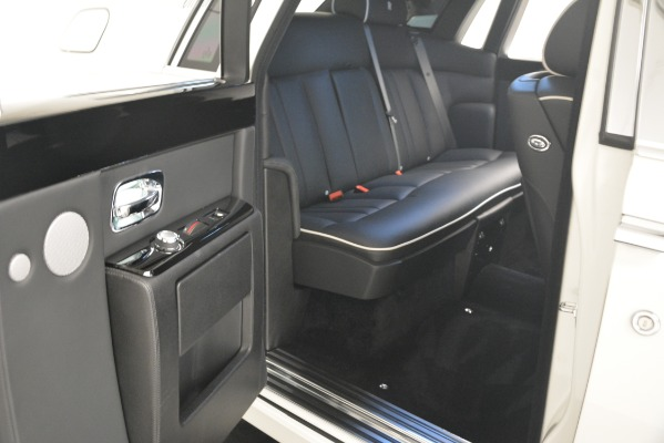 Used 2014 Rolls-Royce Phantom for sale Sold at Alfa Romeo of Greenwich in Greenwich CT 06830 25