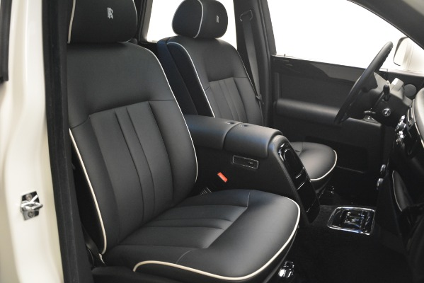 Used 2014 Rolls-Royce Phantom for sale Sold at Alfa Romeo of Greenwich in Greenwich CT 06830 28