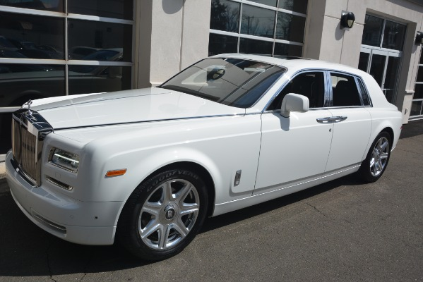 Used 2014 Rolls-Royce Phantom for sale Sold at Alfa Romeo of Greenwich in Greenwich CT 06830 3