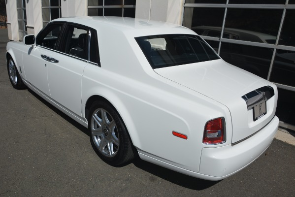 Used 2014 Rolls-Royce Phantom for sale Sold at Alfa Romeo of Greenwich in Greenwich CT 06830 5