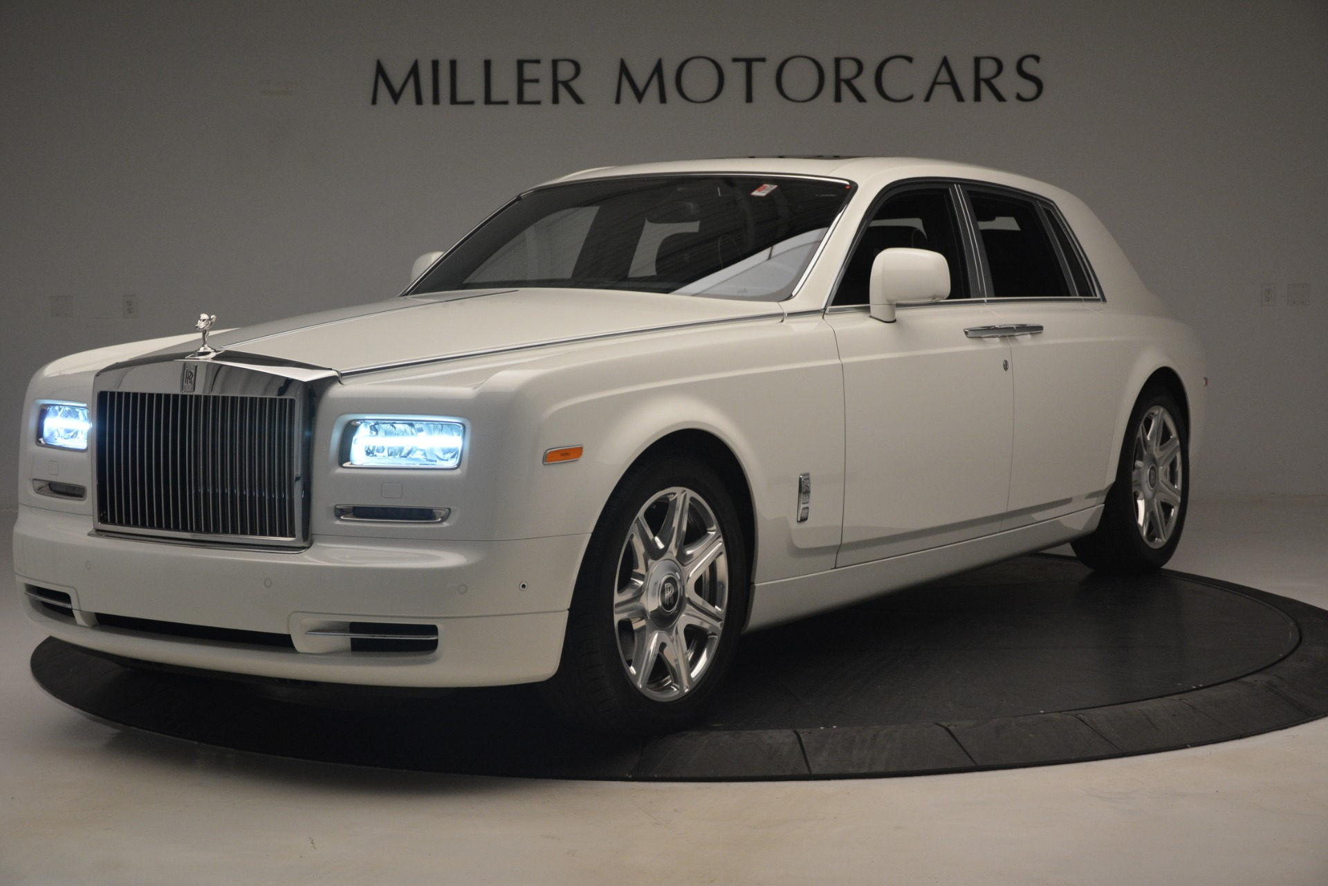 Used 2014 Rolls-Royce Phantom for sale Sold at Alfa Romeo of Greenwich in Greenwich CT 06830 1