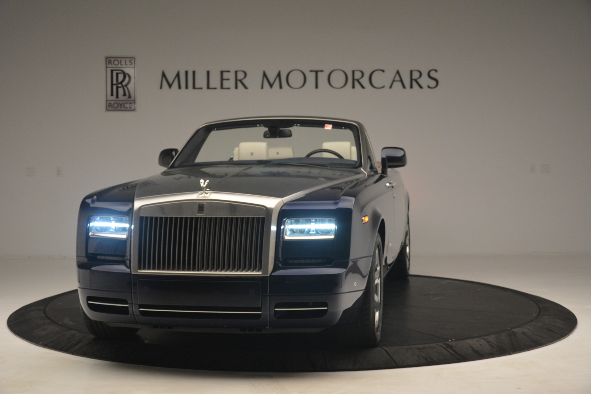 Used 2013 Rolls-Royce Phantom Drophead Coupe for sale Sold at Alfa Romeo of Greenwich in Greenwich CT 06830 1