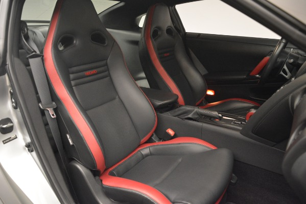 Used 2013 Nissan GT-R Black Edition for sale Sold at Alfa Romeo of Greenwich in Greenwich CT 06830 22