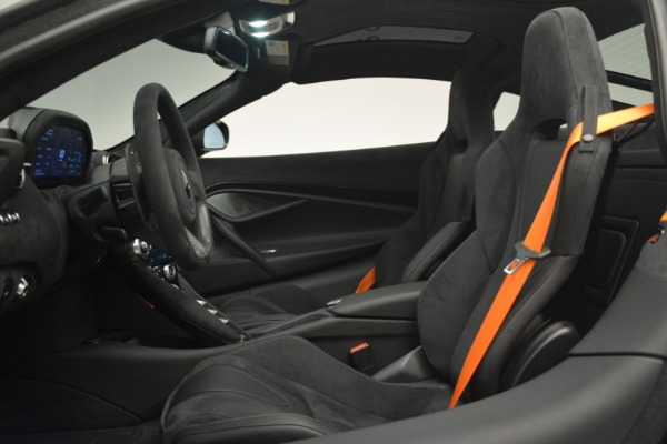 New 2019 McLaren 720S Coupe for sale $351,470 at Alfa Romeo of Greenwich in Greenwich CT 06830 17