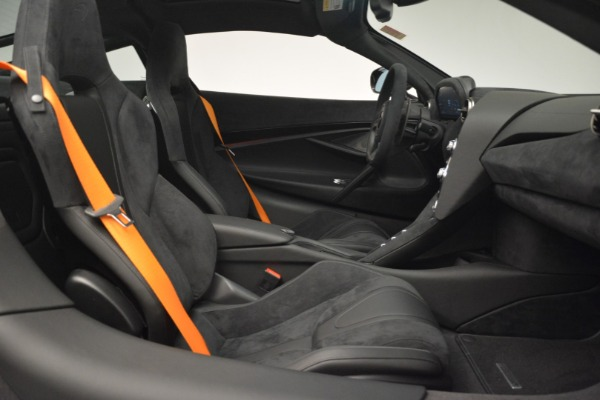 New 2019 McLaren 720S Coupe for sale $351,470 at Alfa Romeo of Greenwich in Greenwich CT 06830 20