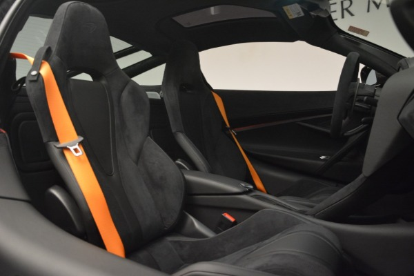 New 2019 McLaren 720S Coupe for sale $351,470 at Alfa Romeo of Greenwich in Greenwich CT 06830 21