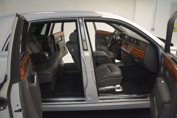 Used 2007 Rolls-Royce Phantom for sale Sold at Alfa Romeo of Greenwich in Greenwich CT 06830 28