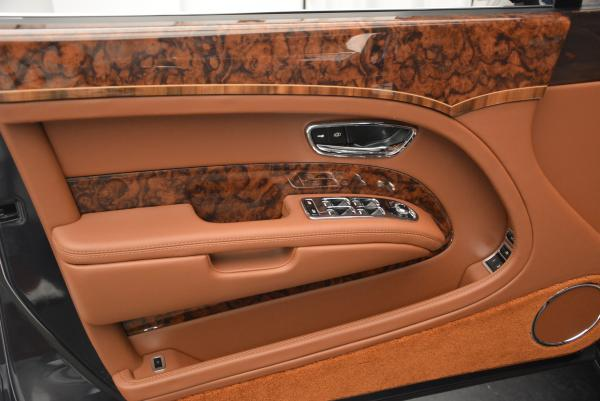 Used 2016 Bentley Mulsanne Speed for sale Sold at Alfa Romeo of Greenwich in Greenwich CT 06830 15