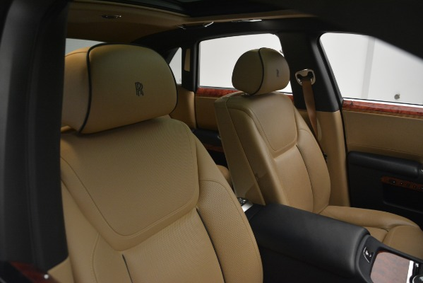 Used 2015 Rolls-Royce Ghost for sale Sold at Alfa Romeo of Greenwich in Greenwich CT 06830 17