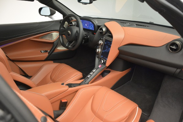 Used 2018 McLaren 720S Coupe for sale Sold at Alfa Romeo of Greenwich in Greenwich CT 06830 18
