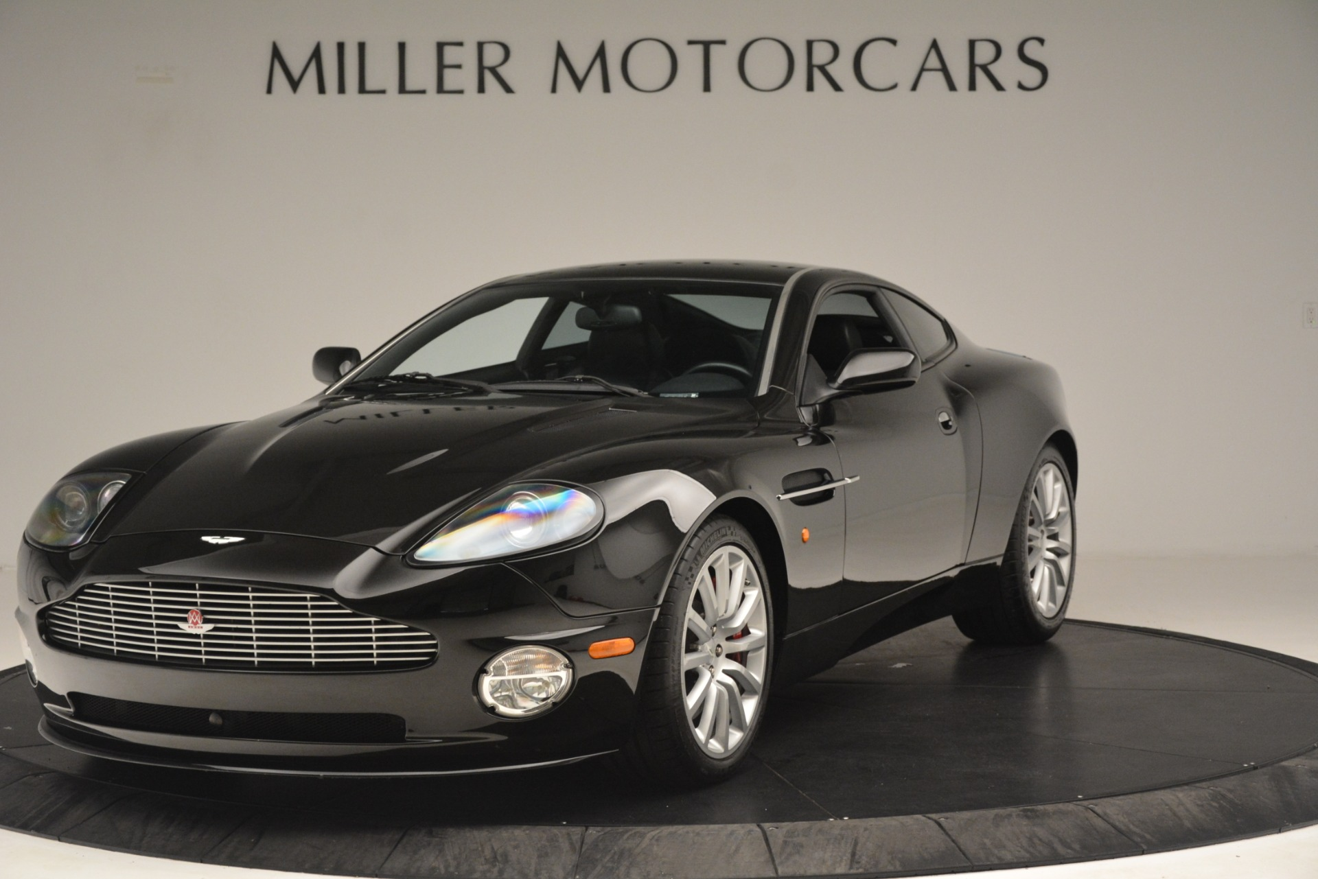 Used 2004 Aston Martin V12 Vanquish for sale Sold at Alfa Romeo of Greenwich in Greenwich CT 06830 1
