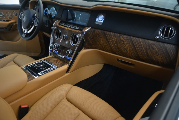 Used 2019 Rolls-Royce Cullinan for sale $347,900 at Alfa Romeo of Greenwich in Greenwich CT 06830 23