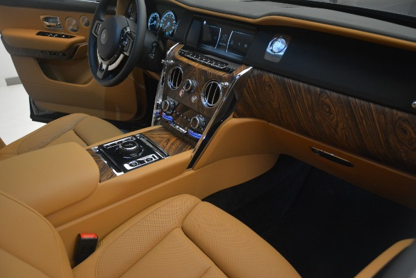 Used 2019 Rolls-Royce Cullinan for sale $347,900 at Alfa Romeo of Greenwich in Greenwich CT 06830 24