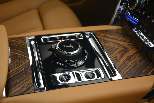 Used 2019 Rolls-Royce Cullinan for sale $347,900 at Alfa Romeo of Greenwich in Greenwich CT 06830 26