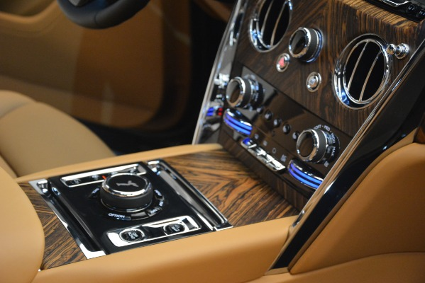 Used 2019 Rolls-Royce Cullinan for sale $347,900 at Alfa Romeo of Greenwich in Greenwich CT 06830 27