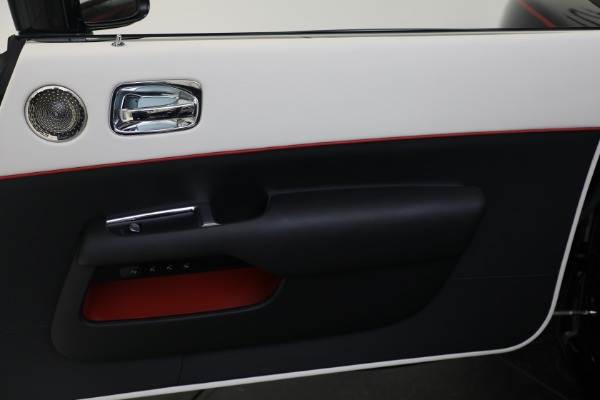 Used 2019 Rolls-Royce Dawn for sale $379,900 at Alfa Romeo of Greenwich in Greenwich CT 06830 16