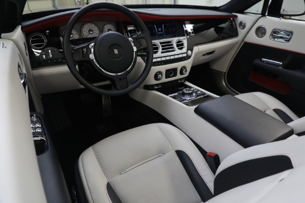 Used 2019 Rolls-Royce Dawn for sale $379,900 at Alfa Romeo of Greenwich in Greenwich CT 06830 17
