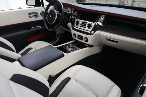 Used 2019 Rolls-Royce Dawn for sale $379,900 at Alfa Romeo of Greenwich in Greenwich CT 06830 18