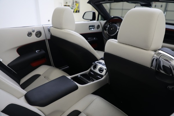 Used 2019 Rolls-Royce Dawn for sale $379,900 at Alfa Romeo of Greenwich in Greenwich CT 06830 24