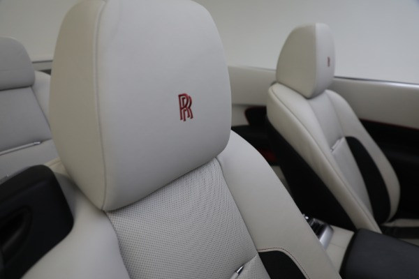 Used 2019 Rolls-Royce Dawn for sale $379,900 at Alfa Romeo of Greenwich in Greenwich CT 06830 27