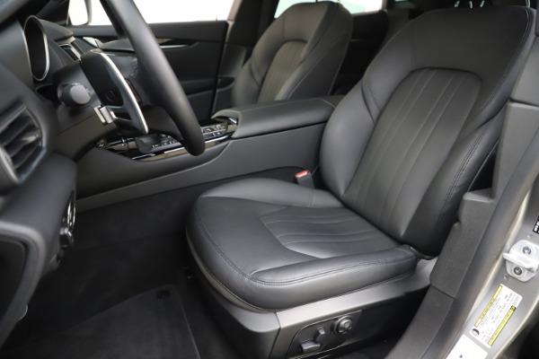 Used 2019 Maserati Levante Q4 for sale $61,900 at Alfa Romeo of Greenwich in Greenwich CT 06830 15