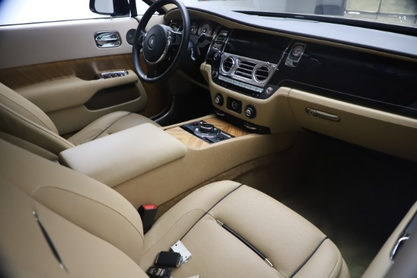 Used 2015 Rolls-Royce Wraith for sale $199,900 at Alfa Romeo of Greenwich in Greenwich CT 06830 20