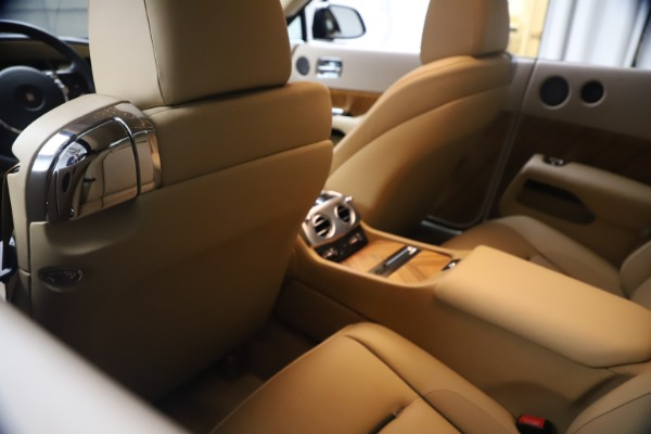 Used 2015 Rolls-Royce Wraith for sale $199,900 at Alfa Romeo of Greenwich in Greenwich CT 06830 23