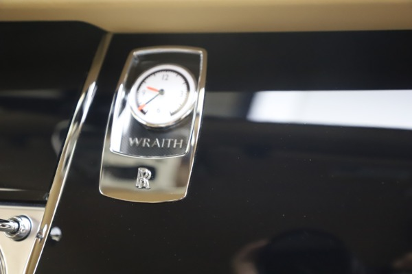 Used 2015 Rolls-Royce Wraith for sale $199,900 at Alfa Romeo of Greenwich in Greenwich CT 06830 27