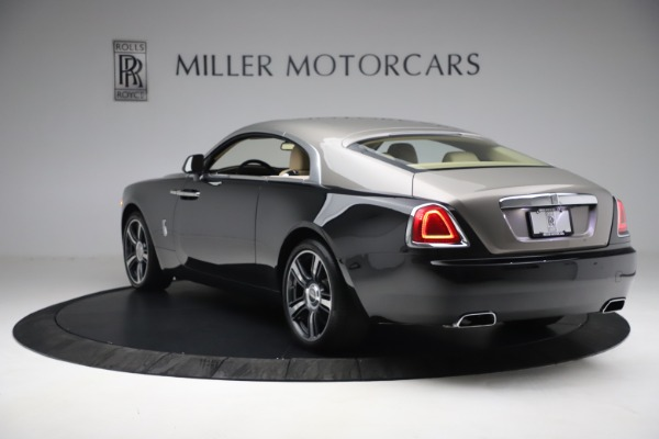 Used 2015 Rolls-Royce Wraith for sale $199,900 at Alfa Romeo of Greenwich in Greenwich CT 06830 7