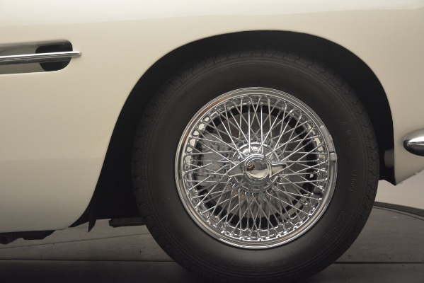 Used 1961 Aston Martin DB4 Series IV Coupe for sale $625,900 at Alfa Romeo of Greenwich in Greenwich CT 06830 16