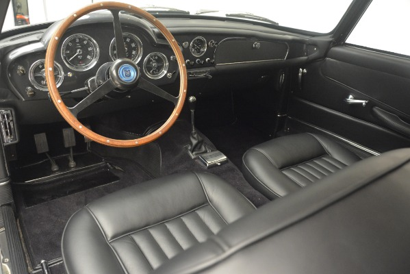 Used 1961 Aston Martin DB4 Series IV Coupe for sale $625,900 at Alfa Romeo of Greenwich in Greenwich CT 06830 21