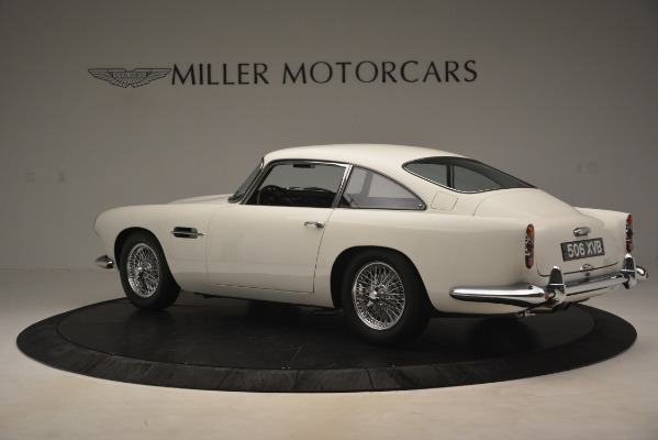 Used 1961 Aston Martin DB4 Series IV Coupe for sale $625,900 at Alfa Romeo of Greenwich in Greenwich CT 06830 4