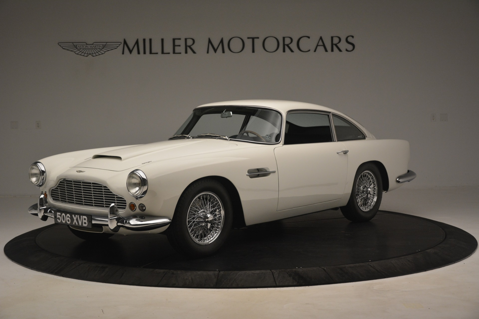 Used 1961 Aston Martin DB4 Series IV Coupe for sale $625,900 at Alfa Romeo of Greenwich in Greenwich CT 06830 1