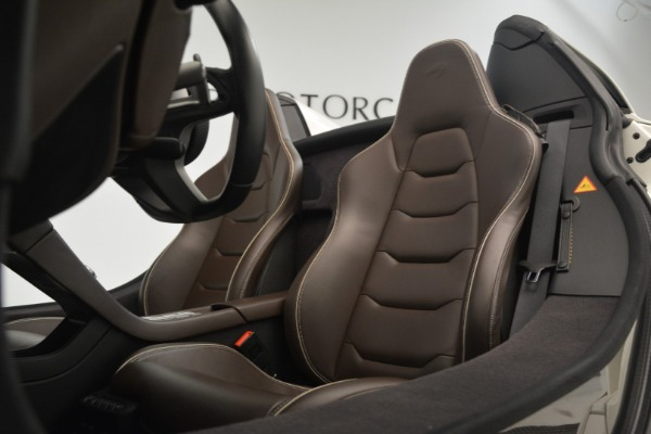 Used 2015 McLaren 650S Convertible for sale Sold at Alfa Romeo of Greenwich in Greenwich CT 06830 20