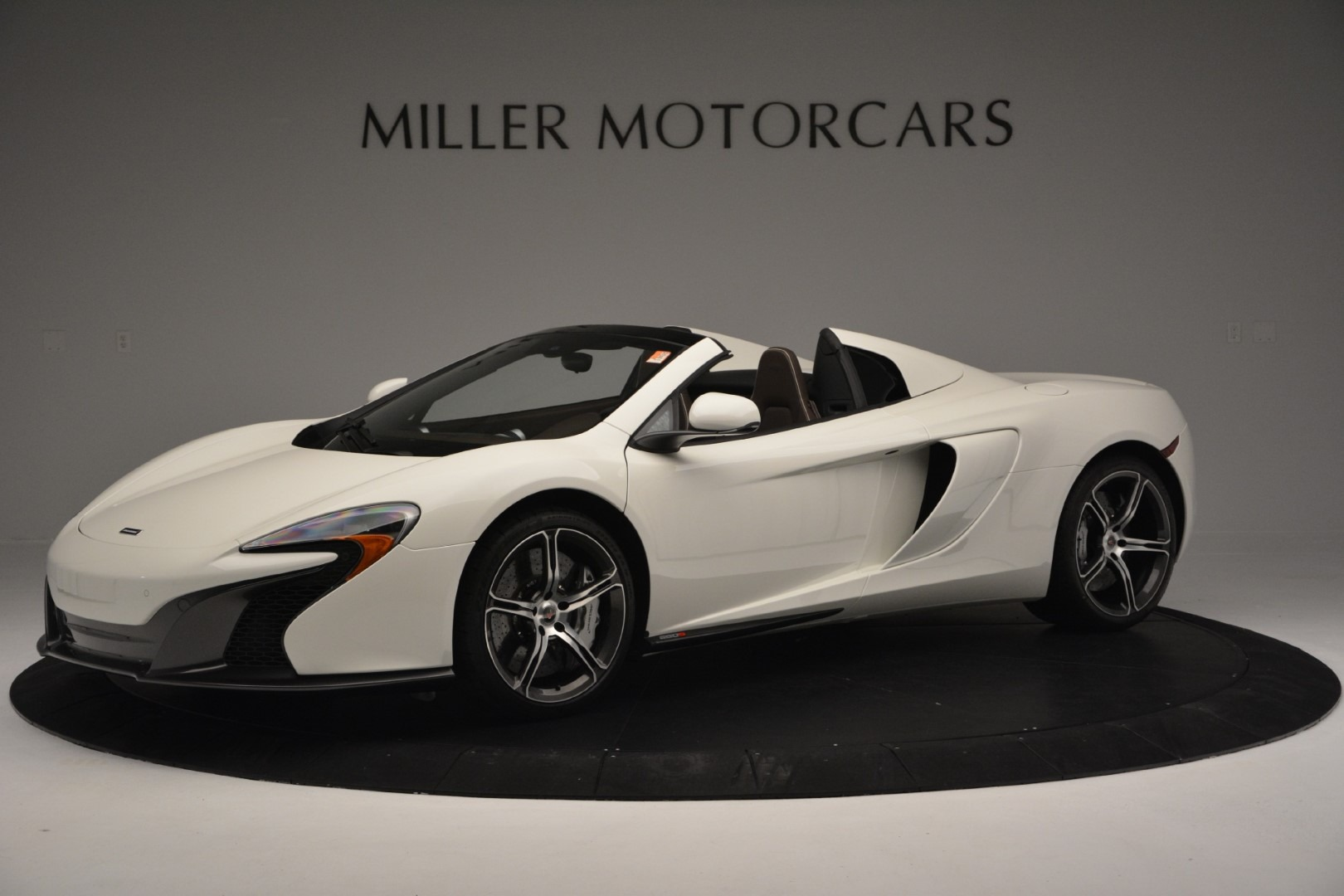Used 2015 McLaren 650S Convertible for sale Sold at Alfa Romeo of Greenwich in Greenwich CT 06830 1