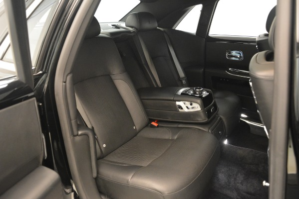 Used 2014 Rolls-Royce Ghost for sale Sold at Alfa Romeo of Greenwich in Greenwich CT 06830 22
