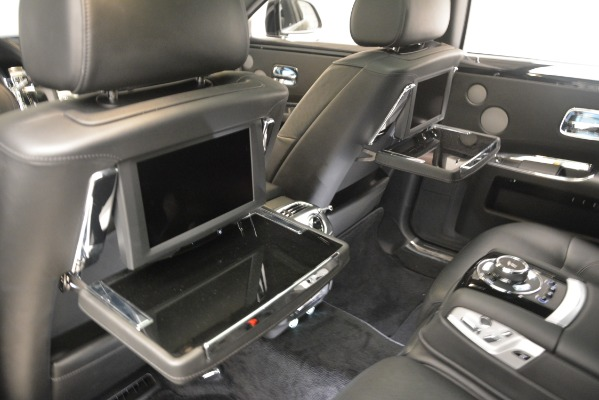 Used 2014 Rolls-Royce Ghost for sale Sold at Alfa Romeo of Greenwich in Greenwich CT 06830 25