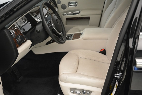 Used 2016 Rolls-Royce Ghost for sale Sold at Alfa Romeo of Greenwich in Greenwich CT 06830 14