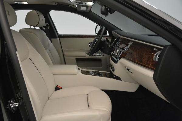 Used 2016 Rolls-Royce Ghost for sale Sold at Alfa Romeo of Greenwich in Greenwich CT 06830 18