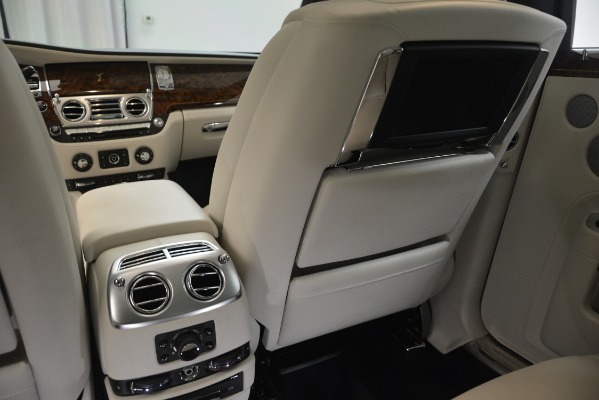 Used 2016 Rolls-Royce Ghost for sale Sold at Alfa Romeo of Greenwich in Greenwich CT 06830 26