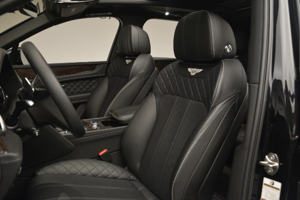 Used 2017 Bentley Bentayga W12 for sale Sold at Alfa Romeo of Greenwich in Greenwich CT 06830 18